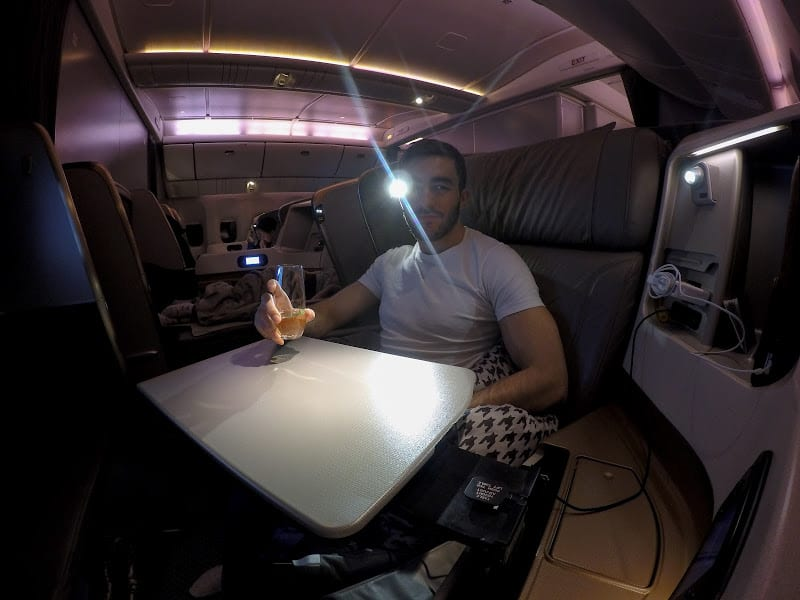 77wn terminator eye - REVIEW - Singapore Airlines : Business Class - London to Singapore (B77WN)